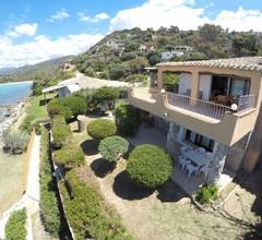 Villa Ylenia - Villa mit direktem Zugang zum Meer und einem großen Garten 2