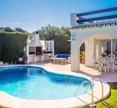 SONNENLICHTVILLA mit privatem Pool, großem Garten und 5 Minuten vom Strand entfernt 2