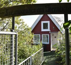Gemütliches Ferienhaus mit eigenem Anlegesteg in Sternberg 1