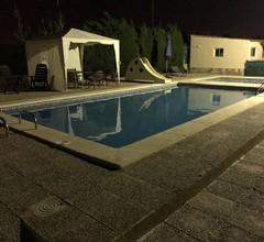 Ideale Familienferienvilla mit WLAN-Pool Tennisplatz Fitnessraum 2