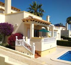 Villa mit eigenem Pool auf dem Golfplatz Las Ramblas mit Klimaanlage / Heizung 1