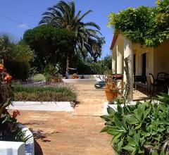 Geräumige Villa mit eigenem Pool und großen Gärten, in 4 Hektar 2
