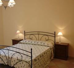 Drei Zimmer eingerichtet und mit einem Garten und einer Terrasse klimatisiert 2