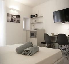 MaDa Charm Apartments Terrace&Carugio 1