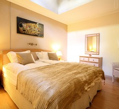 Moderne Villa in Elviria mit Swimmingpool 1