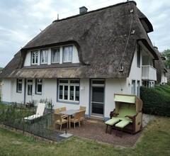 Reetdach, 82m², eigene Terrasse, WLan, 2 Schl-Z, großes Bad, 2