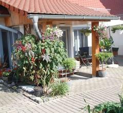 Kleines neues Ferienhaus nahe am Hainer See steht für Ihre Ferien bereit 2