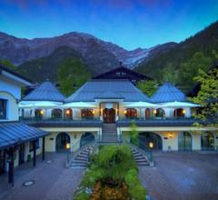 Hotel Gut Brandlhof 1