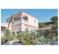 Villa im Hollywoodstil mit einzigartigem Panorama 1