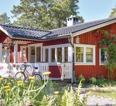 2 Zimmer Unterkunft in Djurhamn 1