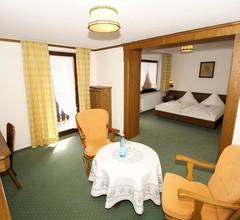 Doppelzimmer Kat. 3 mit Doppelbett und Kabel TV 1