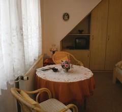 1 Zimmer Unterkunft in Elmenhorst-Lichtenhag 1