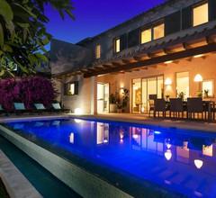 Casa Bouganvilla-Luxuriöses Dorfhaus, 3 SZ, Pool,Klima, Heizung 1