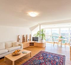 Luxuriöses Apartment mit Terrasse, herrlicher Aussicht und Zugang zum Garten 1