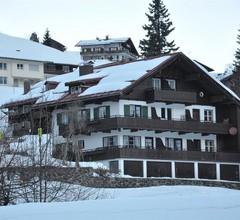 """Dreibettzimmer mit Dusche, WC """"44"""" - Herzen`s Landhaus 1"""