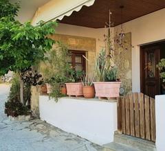 Kretisches Herrenhaus aus dem 1900 Jahrhundert liebevoll renoviert mit Garten 2