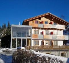 """Doppelzimmer """"Nuss"""" mit Balkon und Zusatzbett - Haus Bergblick 2"""