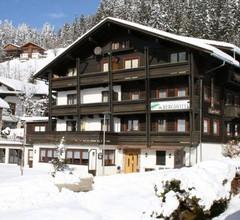 Waldhütte - Das kleine Berghotel 1