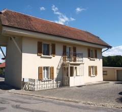 Unabhängiges Dorfhaus von ca. 130 m2 auf 2 Etagen 1