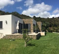 Schönes Haus mit Garten, Pool und eigenem Parkplatz, Meer- und Bergblick 2