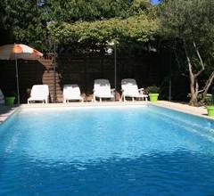 Cottage zwischen Avignon und St Rémy de Provence mit beheiztem Pool 2