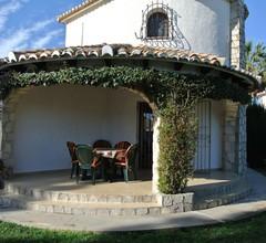Charmante, klimatisierte Villa mit privatem Pool, Garten, nahe dem Meer und Geschäften 1