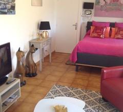 Zwei-Zimmer-Wohnung + möblierte Terrasse Komfort 1