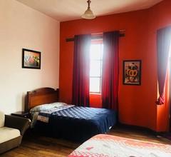 Doppelzimmer mit eigenem Schlafzimmer und Gemeinschaftsbad 2