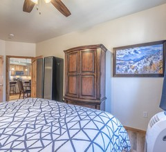 """""""Luxus-apartment bei Standard Pricing. 2 Schlafzimmer- 2 Bäder mit Blick auf Hideaway Park!"""" 1"""