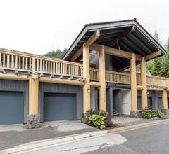 Taluswood - renovierte 2-Zimmer und eine eigene Garage 1