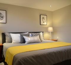 M Lodge-Elegante Suite, Kingsize-Bett, voll ausgestattete Küche, in der Nähe von Seneca 2