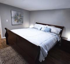 NEU umgestalten! 5 Schlafzimmer, Kingsize-Betten, 2 Küchen, 2 Schlafzimmer Kaffeestube / Restaurants / Gas 2