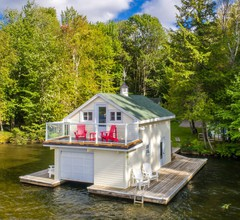 Fly By Rosseau  Sunset view Cottage, Bootshaus + Bunkies am Lake Rosseau 1