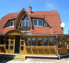 Ferienhaus mit Pool und großer Pavillon 2