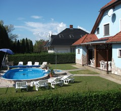 Ferienhaus mit beheizbarem Pool und Strandnähe 1