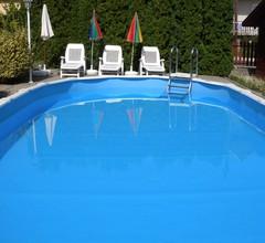 Ferienhaus zur alleinigen Nutzung mit Pool in ruhiger Lage 2