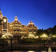 Disneyland Hotel 2