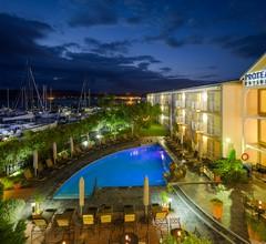Protea Hotel by Marriott Knysna Quays 2