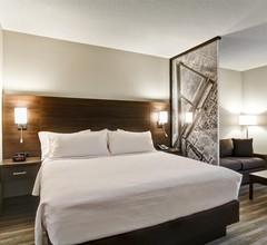 Best Western London Airport Inn & Suites 2
