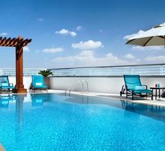 Hilton Garden Inn Dubai Al Muraqabat 2