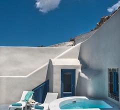 Luna Santorini Suites 1