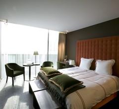 D-Hotel 2