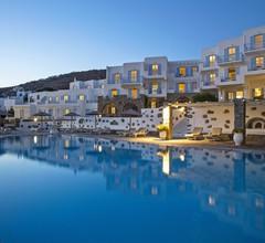 Manoulas Beach Mykonos Resort 2