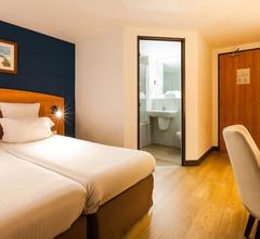 Comfort Hotel Evreux 1