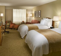 Toronto Airport Marriott Hotel 2
