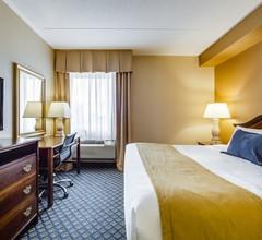 Monte Carlo Inn Vaughan Suites 2