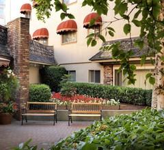 Royal Scot Hotel & Suites 2