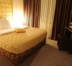 Merona Hotel 1