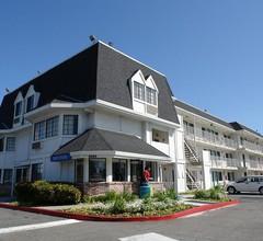 Motel 6 Oakland Airport 2