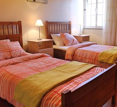 Ideal for couples or families, sunny area surrounded by vines  Casa Vista Bela 2